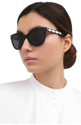 Женские солнцезащитные очки VALENTINO черного цвета, арт. 4049-500187   Фото 2
