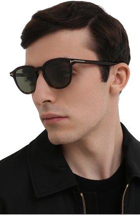 Мужские солнцезащитные очки TOM FORD коричневого цвета, арт. TF816 52N 51 | Фото 2