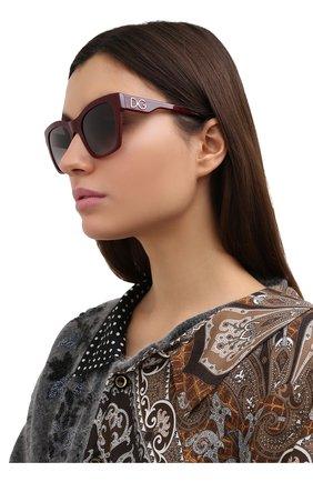 Женские солнцезащитные очки DOLCE & GABBANA бордового цвета, арт. 4384-30918G | Фото 2 (Тип очков: С/з; Очки форма: Квадратные; Оптика Гендер: оптика-женское)