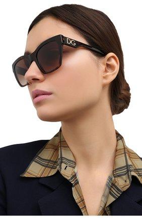 Женские солнцезащитные очки DOLCE & GABBANA коричневого цвета, арт. 4384-502/13 | Фото 2 (Тип очков: С/з; Оптика Гендер: оптика-женское; Очки форма: Квадратные)