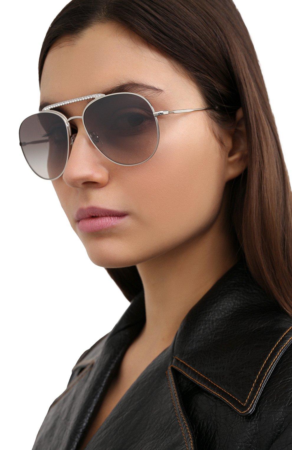 Женские солнцезащитные очки MIU MIU серебряного цвета, арт. 53VS-1BC500 | Фото 2