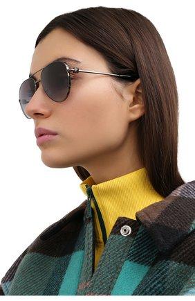 Женские солнцезащитные очки VALENTINO серого цвета, арт. 2034-30398G | Фото 2