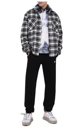 Мужские хлопковые джоггеры MARCELO BURLON черного цвета, арт. CMCH024R21FLE001 | Фото 2
