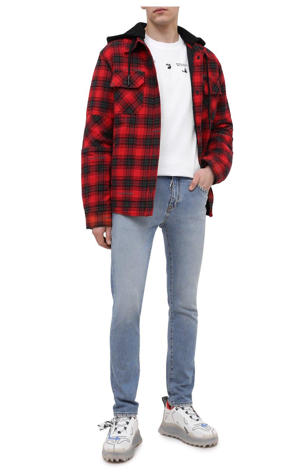 Мужские джинсы OFF-WHITE синего цвета, арт. 0MYA074R21DEN002 | Фото 2 (Силуэт М (брюки): Узкие; Кросс-КТ: Деним; Длина (брюки, джинсы): Стандартные; Стили: Гранж; Материал внешний: Хлопок; Детали: Потертости)