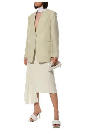 Женский клатч pouch mini BOTTEGA VENETA белого цвета, арт. 585852/VCP40 | Фото 3 (Материал: Натуральная кожа; Женское Кросс-КТ: Клатч-клатчи; Размер: mini; Ремень/цепочка: На ремешке)