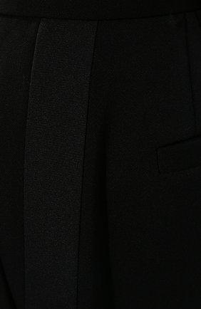Женские шерстяные шорты MIU MIU черного цвета, арт. MP1425-1R1-F0002 | Фото 5 (Женское Кросс-КТ: Шорты-одежда; Материал внешний: Шерсть; Длина Ж (юбки, платья, шорты): Мини; Кросс-КТ: Широкие; Стили: Классический)