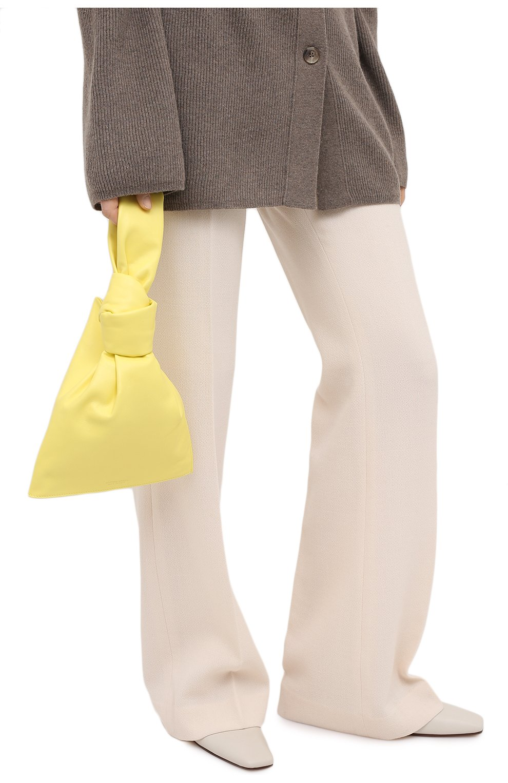 Женская сумка twist mini BOTTEGA VENETA желтого цвета, арт. 652001/VCP40 | Фото 2 (Сумки-технические: Сумки top-handle; Материал: Натуральная кожа; Размер: mini)