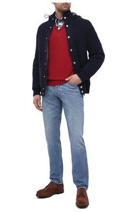 Мужской пуловер из шерсти и кашемира BRUNELLO CUCINELLI красного цвета, арт. M2400162 | Фото 2 (Длина (для топов): Стандартные; Стили: Кэжуэл; Материал внешний: Шерсть; Мужское Кросс-КТ: Пуловеры; Рукава: Длинные; Принт: Без принта; Вырез: V-образный)