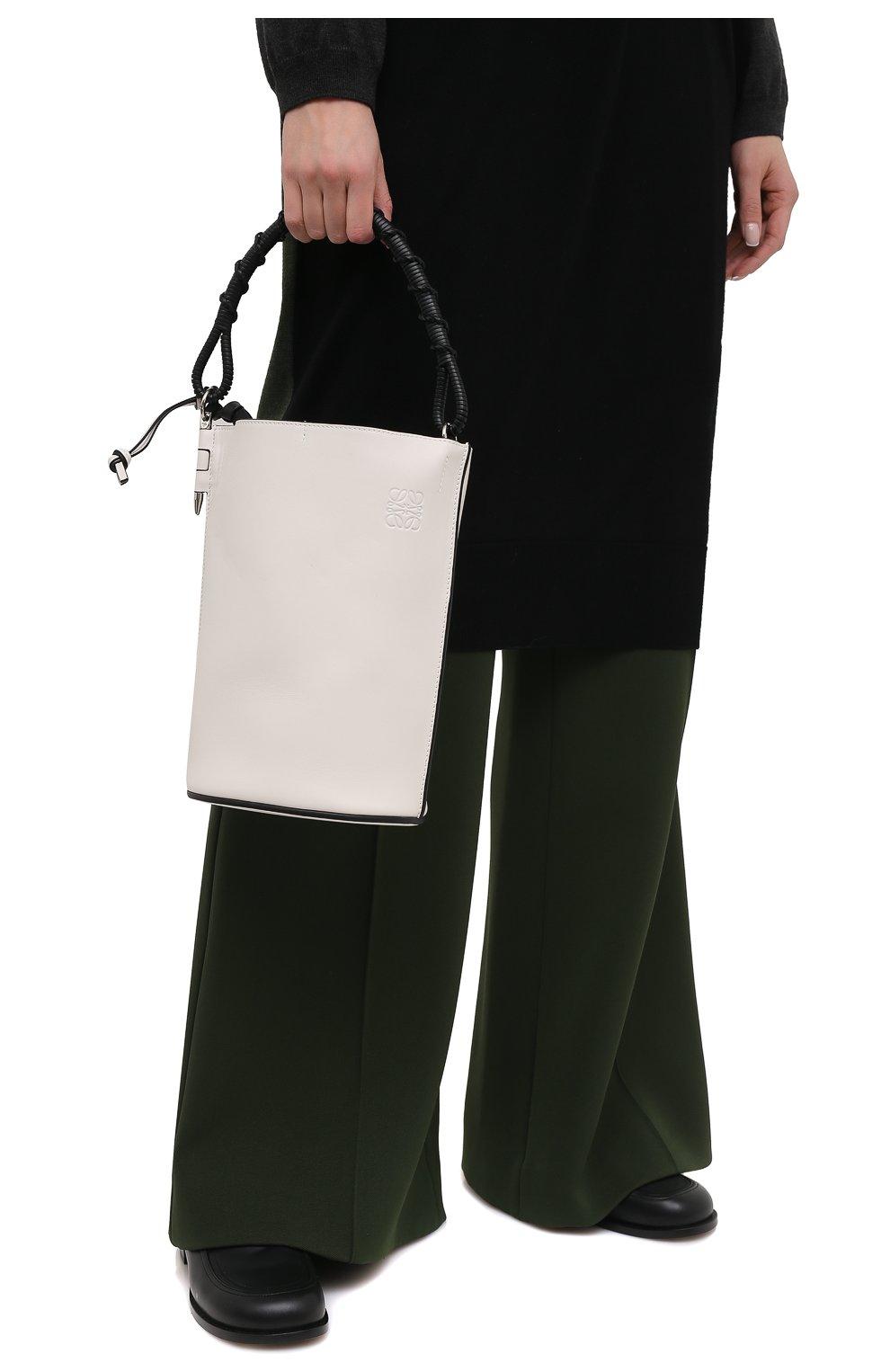 Женская сумка gate bucket LOEWE белого цвета, арт. 329.56.Z85   Фото 2 (Сумки-технические: Сумки через плечо, Сумки top-handle; Размер: medium, small; Материал: Натуральная кожа; Ремень/цепочка: На ремешке)
