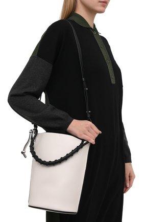Женская сумка gate bucket LOEWE белого цвета, арт. 329.56.Z85   Фото 5 (Сумки-технические: Сумки через плечо, Сумки top-handle; Размер: medium, small; Материал: Натуральная кожа; Ремень/цепочка: На ремешке)