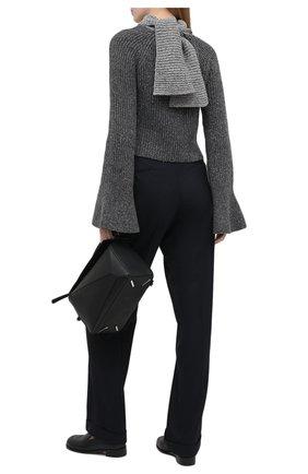 Женский свитер из шерсти и вискозы LOEWE серого цвета, арт. S359333XB3 | Фото 2 (Материал внешний: Шерсть; Женское Кросс-КТ: Свитер-одежда; Рукава: Длинные; Длина (для топов): Укороченные; Стили: Романтичный)