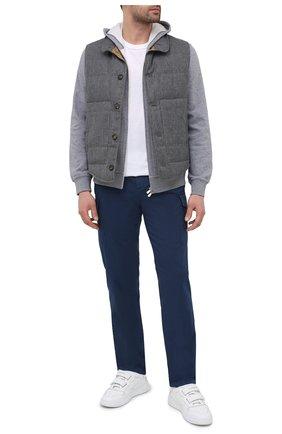 Мужские хлопковые брюки-карго BRUNELLO CUCINELLI синего цвета, арт. M289LE1890 | Фото 2 (Материал внешний: Хлопок; Длина (брюки, джинсы): Стандартные; Случай: Повседневный; Силуэт М (брюки): Карго; Стили: Кэжуэл)