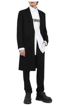 Мужская хлопковая рубашка VETEMENTS белого цвета, арт. UE51SH300W 1004/M   Фото 2
