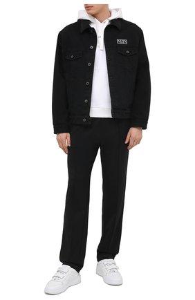 Мужская джинсовая куртка VALENTINO черного цвета, арт. VV3DC03J727   Фото 2