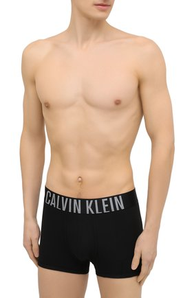 Мужские комплект из двух боксеров CALVIN KLEIN черного цвета, арт. NB2602A   Фото 2 (Материал внешний: Хлопок; Мужское Кросс-КТ: Трусы; Кросс-КТ: бельё)