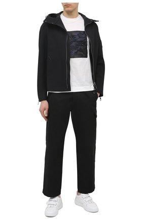 Мужская хлопковая футболка EMPORIO ARMANI белого цвета, арт. 3K1TM7/1JDXZ | Фото 2 (Рукава: Короткие; Материал внешний: Хлопок; Длина (для топов): Стандартные; Принт: С принтом; Стили: Кэжуэл)