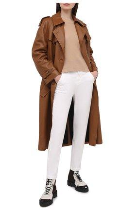 Женские брюки из хлопка и вискозы 7 FOR ALL MANKIND белого цвета, арт. JSL4V95LCL | Фото 2
