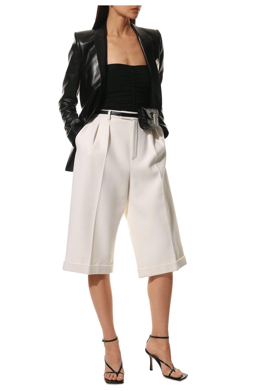 Женские шорты из шерсти и кашемира SAINT LAURENT белого цвета, арт. 640224/Y3B45 | Фото 2 (Женское Кросс-КТ: Шорты-одежда; Материал внешний: Шерсть; Кросс-КТ: Широкие; Длина Ж (юбки, платья, шорты): До колена; Материал подклада: Шелк; Стили: Кэжуэл)