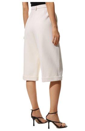 Женские шорты из шерсти и кашемира SAINT LAURENT белого цвета, арт. 640224/Y3B45 | Фото 4 (Женское Кросс-КТ: Шорты-одежда; Материал внешний: Шерсть; Кросс-КТ: Широкие; Длина Ж (юбки, платья, шорты): До колена; Материал подклада: Шелк; Стили: Кэжуэл)