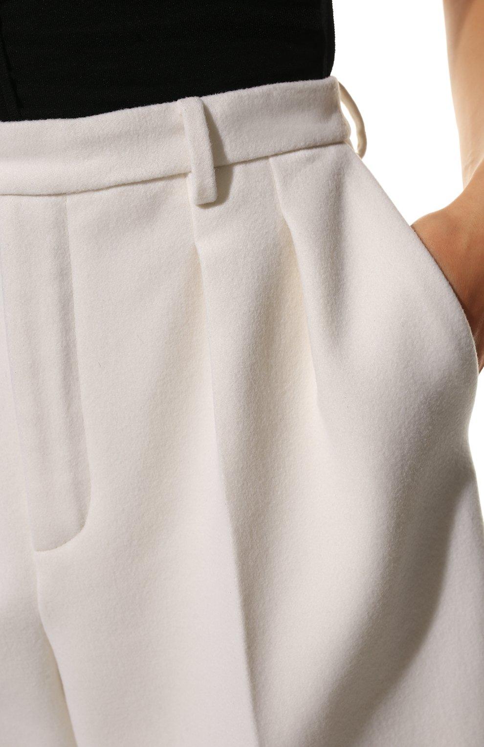 Женские шорты из шерсти и кашемира SAINT LAURENT белого цвета, арт. 640224/Y3B45 | Фото 5 (Женское Кросс-КТ: Шорты-одежда; Материал внешний: Шерсть; Кросс-КТ: Широкие; Длина Ж (юбки, платья, шорты): До колена; Материал подклада: Шелк; Стили: Кэжуэл)