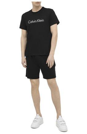 Мужская хлопковая футболка CALVIN KLEIN черного цвета, арт. NM1129E | Фото 2
