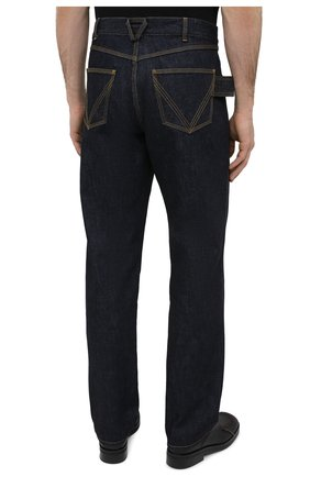 Мужские джинсы BOTTEGA VENETA темно-синего цвета, арт. 649888/V08Y0 | Фото 4 (Силуэт М (брюки): Прямые; Кросс-КТ: Деним; Длина (брюки, джинсы): Стандартные; Материал внешний: Хлопок, Деним; Стили: Минимализм)