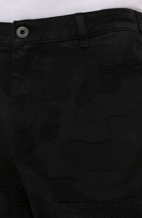 Мужские джинсы VALENTINO черного цвета, арт. VV3DD00R724   Фото 5 (Силуэт М (брюки): Широкие; Кросс-КТ: Деним; Длина (брюки, джинсы): Стандартные; Стили: Гранж; Материал внешний: Хлопок, Деним)