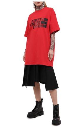 Женская хлопковая футболка VETEMENTS кораллового цвета, арт. UE51TR810R 1611/W | Фото 2