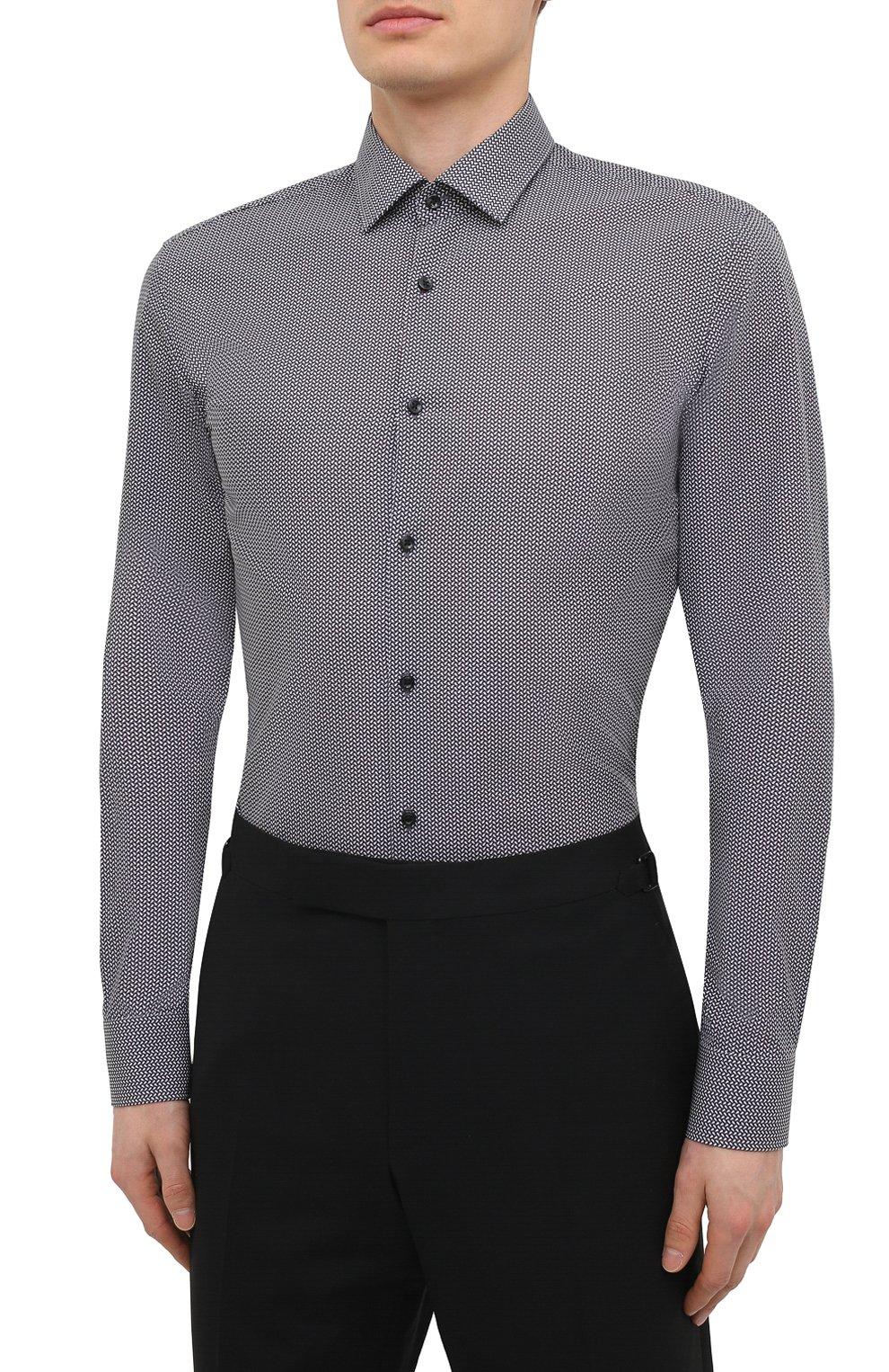 Мужская хлопковая сорочка HUGO черно-белого цвета, арт. 50443550 | Фото 3 (Манжеты: На пуговицах; Воротник: Кент; Рукава: Длинные; Длина (для топов): Стандартные; Принт: С принтом; Рубашки М: Slim Fit; Материал внешний: Хлопок; Стили: Классический; Случай: Формальный)