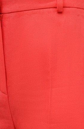 Женские льняные шорты LORO PIANA кораллового цвета, арт. FAL5943   Фото 5 (Женское Кросс-КТ: Шорты-одежда; Длина Ж (юбки, платья, шорты): Мини; Материал внешний: Лен; Стили: Кэжуэл)