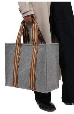 Женский сумка-шопер suitcase stripe LORO PIANA серого цвета, арт. FAL2357 | Фото 2 (Сумки-технические: Сумки-шопперы; Размер: large; Материал: Текстиль)