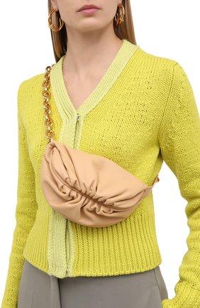 Женская поясная сумка chain pouch BOTTEGA VENETA бежевого цвета, арт. 651445/VCP41 | Фото 2 (Материал: Натуральная кожа; Стили: Классический; Размер: small)