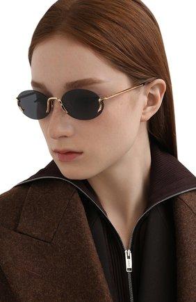 Женские солнцезащитные очки MOSCHINO черного цвета, арт. M0S055 000 | Фото 2