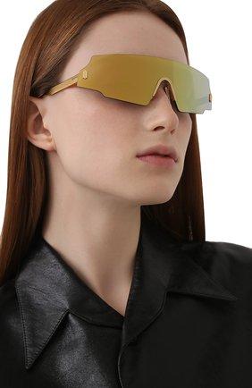 Женские солнцезащитные очки FENDI золотого цвета, арт. 0440 001 | Фото 2