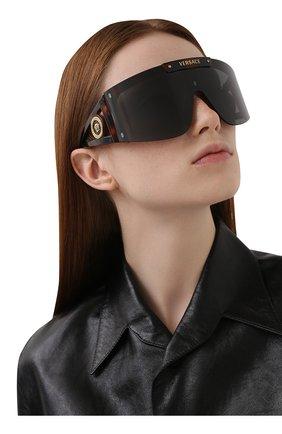 Женские солнцезащитные очки VERSACE коричневого цвета, арт. 4393-52171W | Фото 6