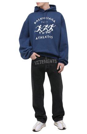 Мужской хлопковое худи BALENCIAGA синего цвета, арт. 641679/TJVI7 | Фото 2 (Рукава: Длинные; Принт: С принтом; Длина (для топов): Удлиненные; Стили: Гранж; Материал внешний: Хлопок; Мужское Кросс-КТ: Худи-одежда)