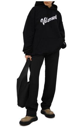 Женский хлопковое худи VETEMENTS черного цвета, арт. UE51TR770B 1604/W | Фото 2