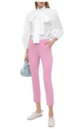 Женские брюки REDVALENTINO светло-розового цвета, арт. VR3RB0B0/2EU   Фото 2 (Стили: Романтичный; Материал внешний: Вискоза, Синтетический материал; Силуэт Ж (брюки и джинсы): Узкие; Случай: Формальный; Длина (брюки, джинсы): Укороченные; Женское Кросс-КТ: Брюки-одежда)