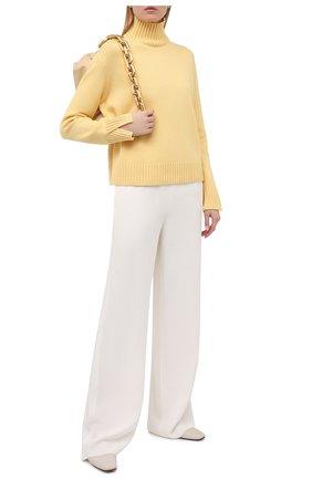 Женский кашемировый свитер LORO PIANA желтого цвета, арт. FAL5048   Фото 2 (Материал внешний: Шерсть, Кашемир; Длина (для топов): Стандартные; Стили: Классический; Рукава: Длинные; Женское Кросс-КТ: Свитер-одежда)