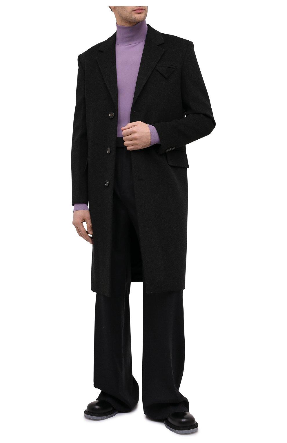Мужской пальто из шерсти и кашемира BOTTEGA VENETA темно-серого цвета, арт. 650411/VKLU0   Фото 2 (Материал внешний: Шерсть; Рукава: Длинные; Длина (верхняя одежда): До колена; Материал подклада: Вискоза; Мужское Кросс-КТ: пальто-верхняя одежда; Стили: Минимализм)