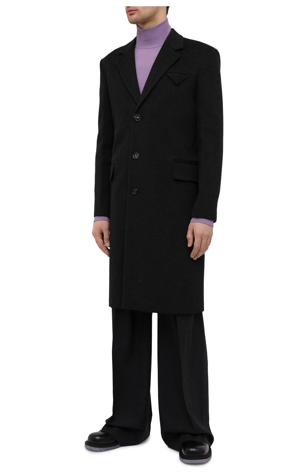 Мужской пальто из шерсти и кашемира BOTTEGA VENETA темно-серого цвета, арт. 650411/VKLU0   Фото 3 (Материал внешний: Шерсть; Рукава: Длинные; Длина (верхняя одежда): До колена; Материал подклада: Вискоза; Мужское Кросс-КТ: пальто-верхняя одежда; Стили: Минимализм)
