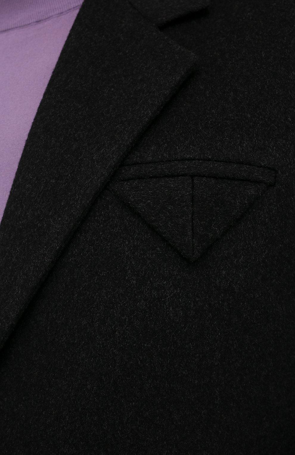 Мужской пальто из шерсти и кашемира BOTTEGA VENETA темно-серого цвета, арт. 650411/VKLU0   Фото 5 (Материал внешний: Шерсть; Рукава: Длинные; Длина (верхняя одежда): До колена; Материал подклада: Вискоза; Мужское Кросс-КТ: пальто-верхняя одежда; Стили: Минимализм)