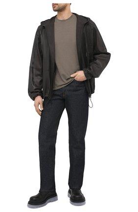 Мужская кожаная куртка BOTTEGA VENETA темно-коричневого цвета, арт. 652799/V0IT0 | Фото 2 (Принт: Без принта; Рукава: Длинные; Мужское Кросс-КТ: Кожа и замша; Кросс-КТ: Куртка; Стили: Минимализм; Длина (верхняя одежда): Короткие)