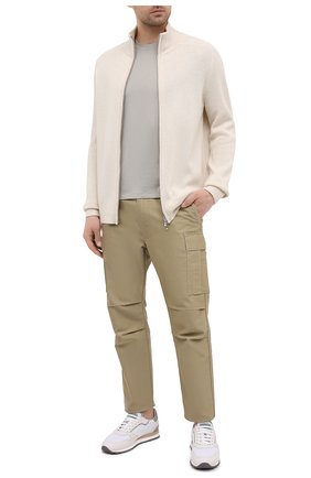 Мужская футболка TOM FORD светло-серого цвета, арт. BW229/TFJ950 | Фото 2 (Принт: Без принта; Длина (для топов): Стандартные; Материал внешний: Лиоцелл, Хлопок; Стили: Кэжуэл; Рукава: Короткие)