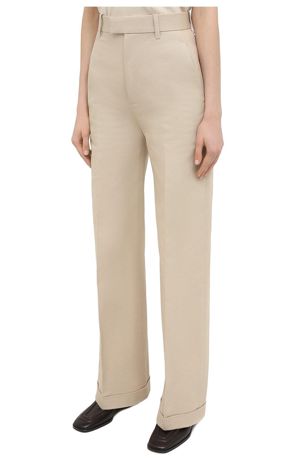 Женские хлопковые брюки BOTTEGA VENETA бежевого цвета, арт. 644546/VF4T0   Фото 3