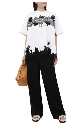 Женская хлопковая футболка VALENTINO белого цвета, арт. VB3MG11B66C | Фото 2