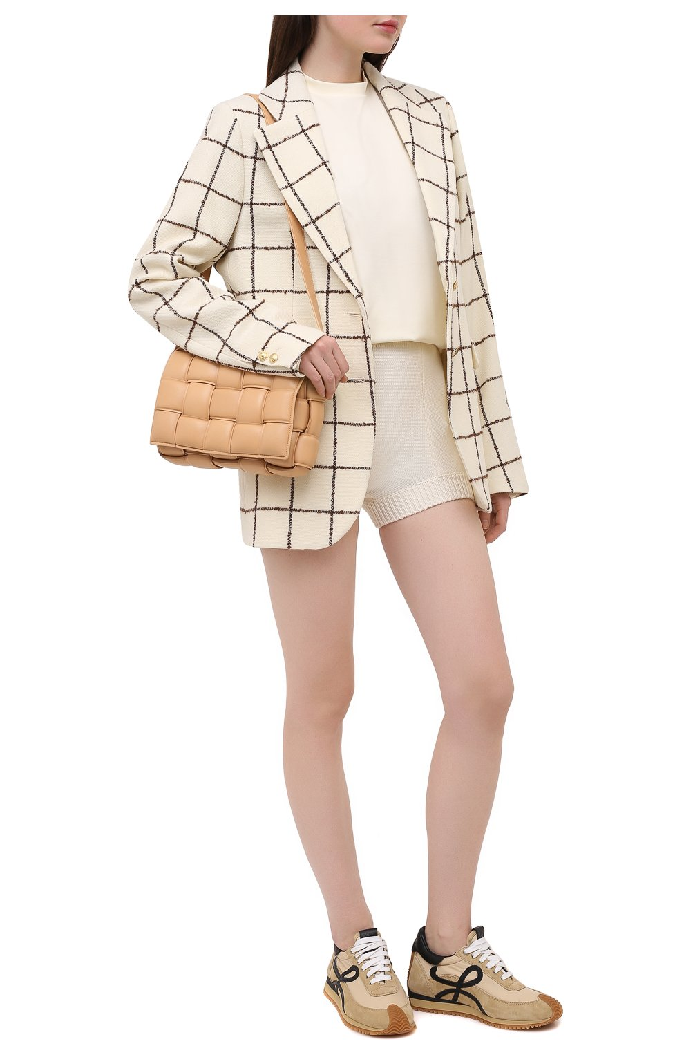 Женские шерстяные шорты DOLCE & GABBANA белого цвета, арт. FXA91T/JAV42   Фото 2 (Женское Кросс-КТ: Шорты-одежда; Материал внешний: Шерсть; Длина Ж (юбки, платья, шорты): Мини; Стили: Кэжуэл)