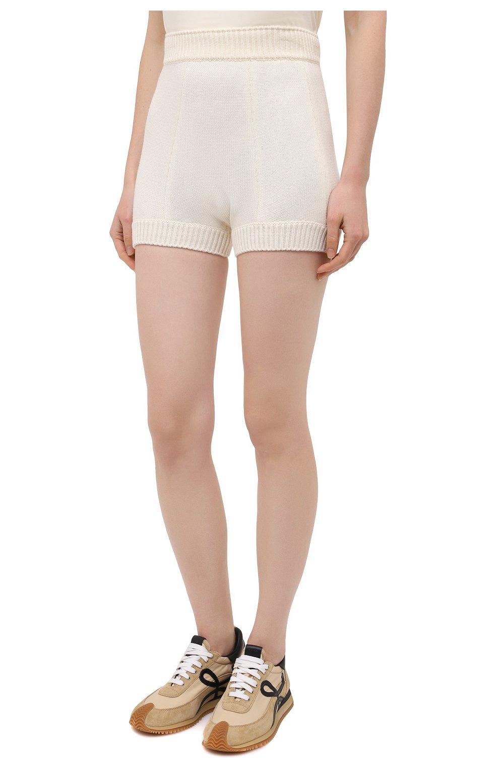 Женские шерстяные шорты DOLCE & GABBANA белого цвета, арт. FXA91T/JAV42   Фото 3 (Женское Кросс-КТ: Шорты-одежда; Материал внешний: Шерсть; Длина Ж (юбки, платья, шорты): Мини; Стили: Кэжуэл)