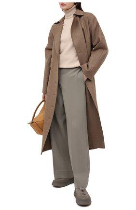 Женский кашемировый свитер VICTORIA BECKHAM бежевого цвета, арт. 1121KJU002325A | Фото 2