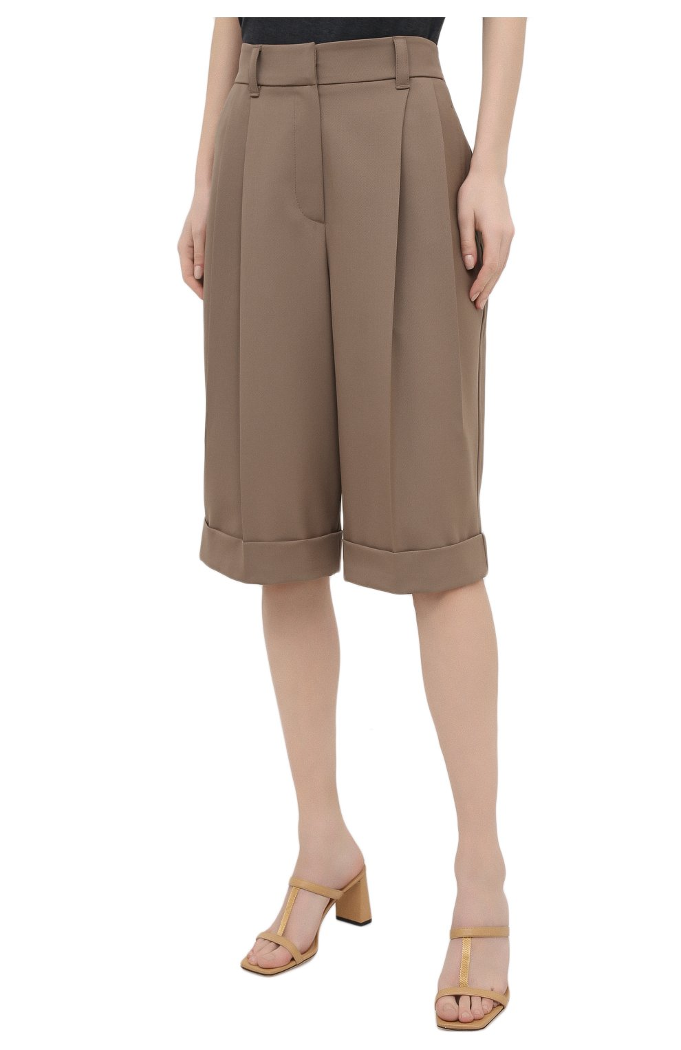 Женские шерстяные шорты BRUNELLO CUCINELLI темно-бежевого цвета, арт. MA171P7322   Фото 3 (Женское Кросс-КТ: Шорты-одежда; Материал внешний: Шерсть; Кросс-КТ: Широкие; Длина Ж (юбки, платья, шорты): До колена; Стили: Кэжуэл)